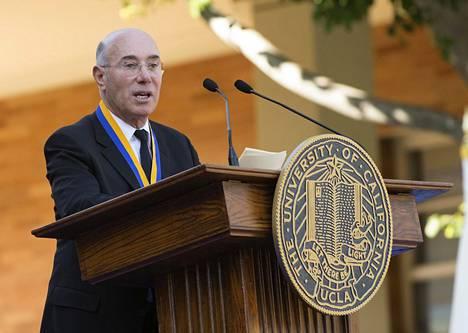 David Geffen viettää koronakaranteenia 540 miljoonaa euroa maksaneelta Rising Sun -jahdilla.