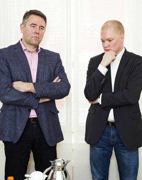 Jussi Niinistö nimesi uuden ryhmän perustamisoperaation keskeisimmäksi henkilöksi erityisavustajansa Petteri Leinon (kuvassa vasemmalla). Soinin valtiosihteeri Samuli Virtanen (kuvassa oikealla ) oli operaatiokeskuksen keskeinen henkilö erityisavustaja Juha Halttusen ohella.