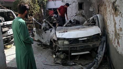 Yhdysvallat myönsi perjantaina, että iskussa kuoli viaton, Yhdysvalloille töitä tehnyt avustustyöntekijä ja hänen yhdeksän perheenjäsentään ja lähisukulaistaan. Uhreista seitsemän oli lapsia, joista nuorin kaksivuotias.