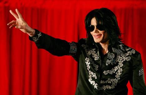 Brittiläinen Lomas kerää nyt rahaa, jotta pääsisi eroon Michael Jacksonin nimestä. Toistaiseksi hänelle ei ole lahjoitettu vielä senttiäkään.
