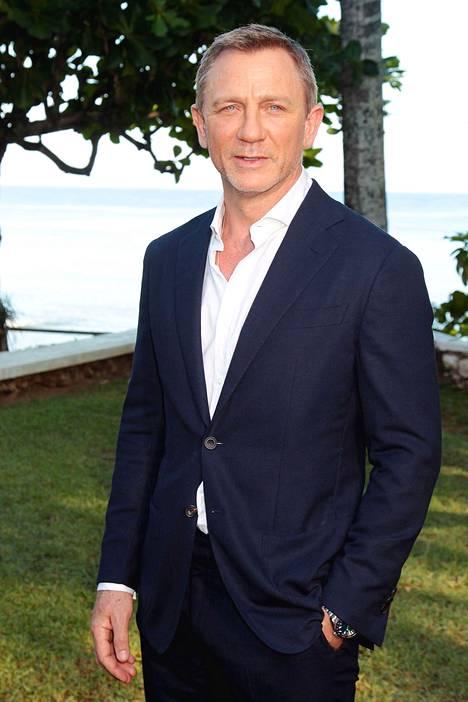 Daniel Craig nähdään viimeisimmistä Bond-elokuvista tuttuun tapaan James Bondin roolissa.