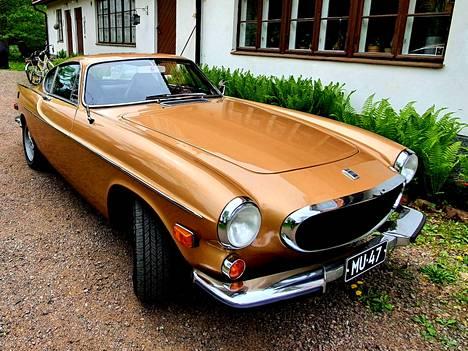 Pyhimys-Volvo on Pelle Petterssonin suunnittelema ja Volvon valmistama urheiluauto, jonka ensimmäiset mallit julkistettiin vuonna 1961.