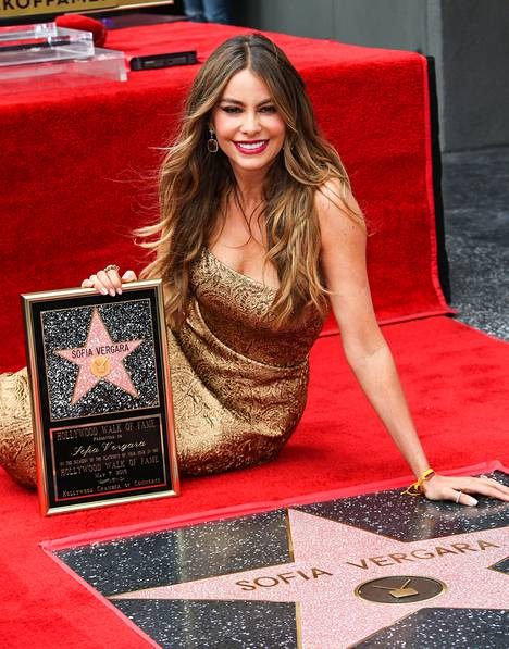 Sofia kuvattuna toukokuussa, jolloin hän sai oman tähden Hollywood Walk of Famelle.
