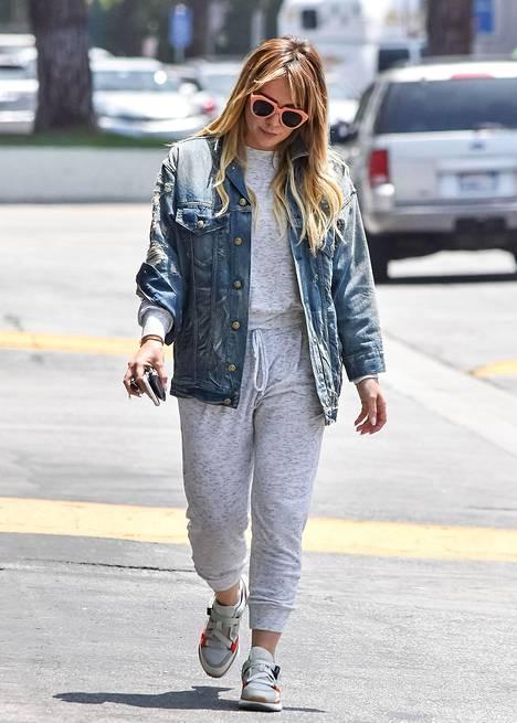 Näyttelijä Hilary Duff luottaa vintagehenkeen.