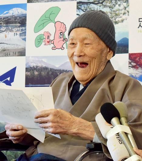Hymy oli Nonakalla herkässä sertifikaatin luovuttamisen jälkeen.
