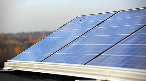 Aurinkopaneelit tekevät meistä kaikista sähköntuottajia.