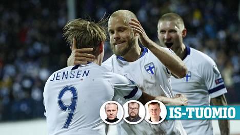 Fredrik Jensen (vas.) ja Teemu Pukki juhlatuulella.
