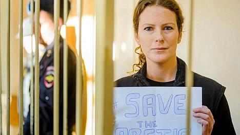 Brasilialainen Greenpeace-aktivisti Ana Paula Alminhana Maciel vapautettiin.
