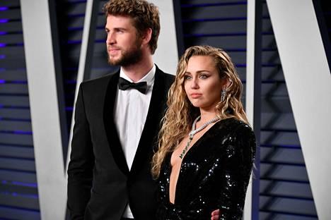 Cyrus kertoo rakastavansa puolisoaan edelleen, mutta haluavansa nyt jättää entisen elämän taakseen.