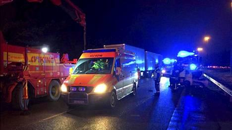 Onnettomuus tapahtui tiistai-iltana 21. marraskuuta 2017 Lahdenväylällä.