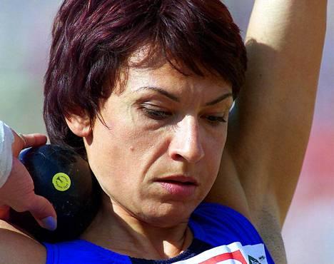 Svetlana Gnezdilov nähtiin yleisurheilun arvokisoissa 100 metrin aitajuoksussa, seitsenottelussa sekä 4 × 400 metrin viestissä.
