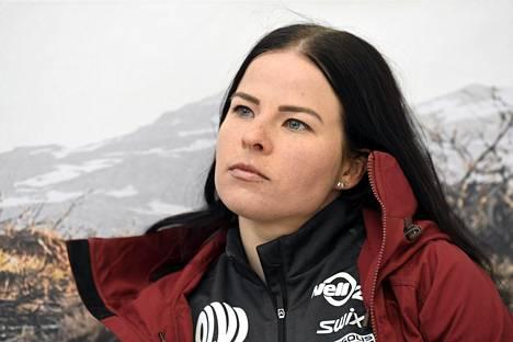 Krista Pärmäkoski menetti kesällä hyvän ystävän, kun entinen maajoukkuehiihtäjä Mona-Liisa Nousiainen kuoli 36-vuotiaana.
