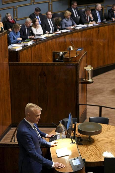 Vuosikaudet puhujatilaston kärkipaikoilla majaillut Timo Heinonen on toistaiseksi uuden eduskunnan toiseksi puheliain kansanedustaja. Arja Juvosella puheenvuoroja on 66, Heinosella 64.