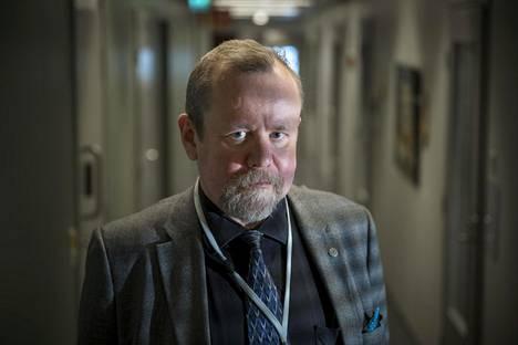 Hannu Lauerma on yksi sarjassa haastateltavista asiantuntijoista.