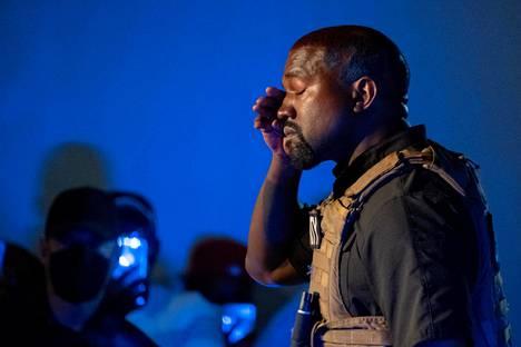 Kanye West kyynelehti puhuessaan aborteista.