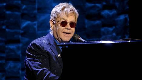 Muusikkolegenda Elton John sairastui.