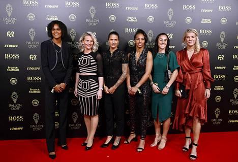 Olympique Lyon lukeutuu jalkapallon mahtiseuroihin naisten puolella. Joukkue on juhlinut naisten Mestarien liigan voitto ennätykselliset kuusi kertaa: 2011, 2012, 2016, 2017, 2018 ja 2019. Kuvassa vasemmalta Wendie Renard, Amandine Henry, Dzsenifer Marozsan, Sarah Bouhaddi, Lucy Bronze ja Ada Hegerberg.