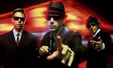 Beastie Boys odottaa basisti Adam Yauchin toipumista.