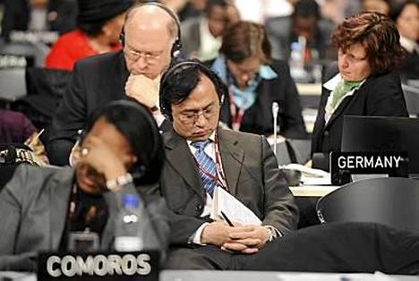 Kööpenhaminan ilmastokokouksen sopimusvääntö väsytti delegaatit. Saksalaiset jaksoivat vielä lauantaiaamuna.