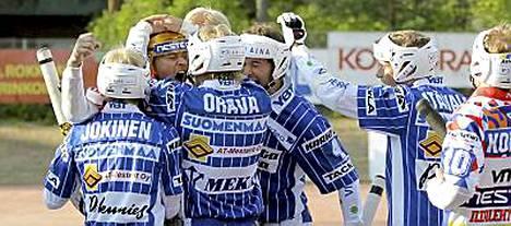 Oulun Lippo luopuu miesten superpesispaikastaan talousvaikeuksien vuoksi.