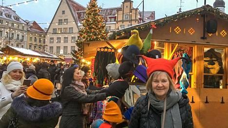 Pirkko Schildt ja hänen miehensä ovat käyneet yli 130 maassa. Edullisimmillaan matkoihin on mennyt kahdelta hengeltä jokunen satanen, kalleimmillaan yli 16000 euroa.