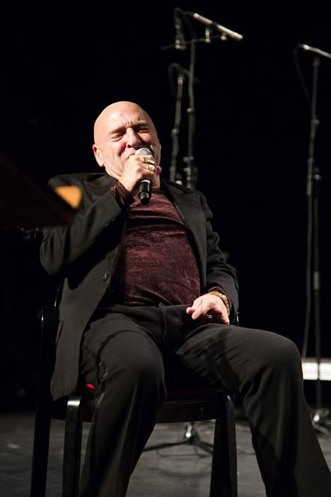 Remu Aaltonen esitti konsertissa muun muassa hittinsä Täysikuun vuodelta 1987.