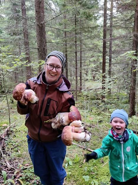 """Kosken perhe teki myös muita isoja tattilöydöksiä, jotka eivät kauheasti kalpene """"sienimörölle""""."""