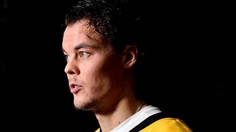 """NHL-maalivahti Tuukka Rask avasi mystisen poissaolonsa syitä: """"Minulla on myös toinen työ"""""""