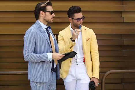 Miehet tuntevat olonsa seksikkääksi useimmin puvussa tai farkuissa. Myös kauluspaita, aurinkolasit ja kello mainittiin.