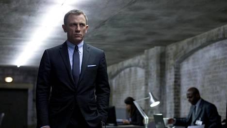 Daniel Craig on pukenut Bondin smokin päälleen neljään elokuvaan.
