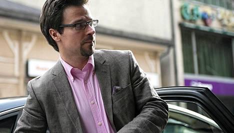 Ministeri Ville Niinistö (vihr) liikkuu ministeri-Audilla ja City Car Clubista vuokratuilla autoilla.