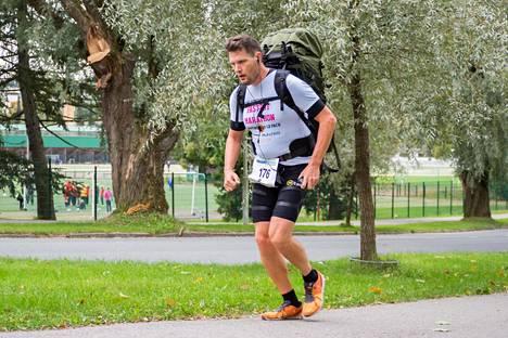 Syyskuun lopulla Kallioniemi taivalsi Lahden puolimaratonin aikaan 2.00.30.
