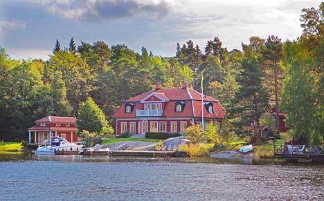 Värmdö Fågelbrolandetin saaren alue on idyllistä.