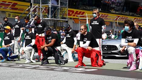 F1-kuskit lähtöruudukossa ennen Itävallan GP:tä.