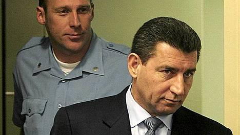 Ante Gotovinan (oik.) oikeudenkäynti alkoi Haagissa vuonna 2005.