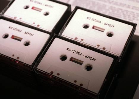 Estonian hätäsanoma nauhoitettiin näille kaseteille.