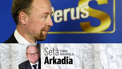 Perussuomalaisten puheenjohtajalla Jussi Halla-aholla on nyt sama ongelma, jollainen hän itse oli Timo Soinille.