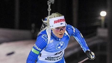 Mari Eder nappasi Hochfilzenin pikakilpailussa kauden parhaan sijoituksensa. Kuva Kontiolahden maailmancupista marraskuun lopulta.