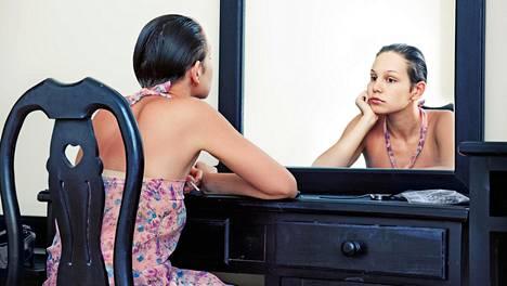 –Hyvän huolen pitäminen itsestään helpottaa itsensä hyväksymistä, sanoo psykologi. Kuvituskuva.