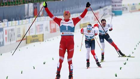 Aleksandr Bolshunov jätti norjalaiset taakseen yhdistelmäkilpailussa.