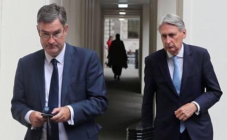 David Gauke (vas.) ja Philip Hammond.