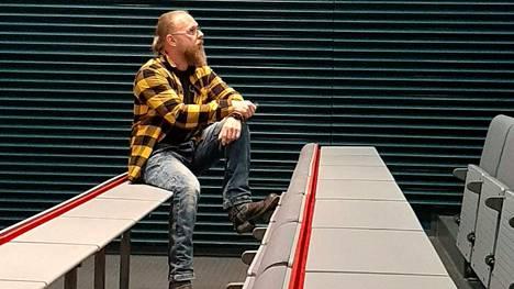 """Haukiputaalaisesta Sami Roususta tuli opettaja itsekin: """"Vaikka omat kokemukseni ovat olleet traumaattisia, en antaisi niitä pois""""."""