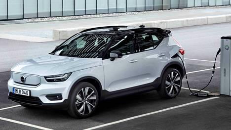 Volvo on ilmoittanut valmistavansa vuonna 2030 yksinomaan sähköautoja. Aika näyttää, miten tavoite toteutuu.
