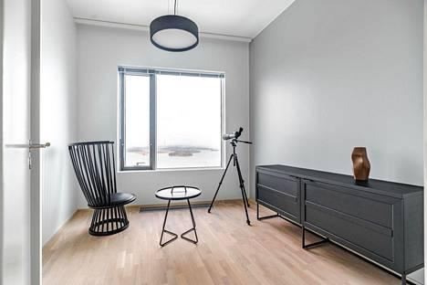 Majakassa asuntojen huonekorkeus on tavallista korkeampi, seinät ovat vaaleat ja lattiassa on tammiparketti. Jokaiseen asuntoon kuuluu lisäksi reilun 10 neliön kokoinen viherhuone.
