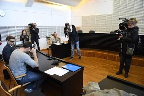 Kaksi epäiltyä, venäläis- ja virolaismiehet, on vangittu.