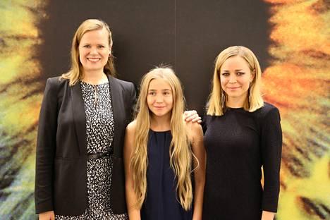 Tyttö nimeltä Varpu -elokuvan ohjaaja Selma Vilhunen ja näyttelijät Paula Vesala ja Linnea Skog esittelivät elokuvaansa lehdistölle Los Angelesin Beverly Hillsissä lokakuussa 2016.
