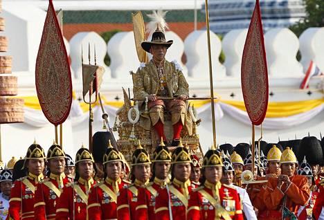 Hallitsijan ratkaisu pysytellä Saksassa on aiheuttanut Thaimaassa valtavaa kuohuntaa, sillä kuninkaan toivotaan osoittavan sympatiaansa koronaviruksen kanssa kamppaileville kansalaisilleen.