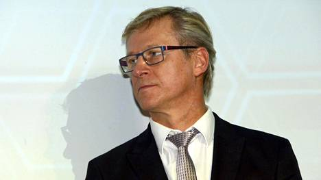Huuhkajien päävalmentaja Markku Kanerva alensi palkkaansa. Arkistokuva.