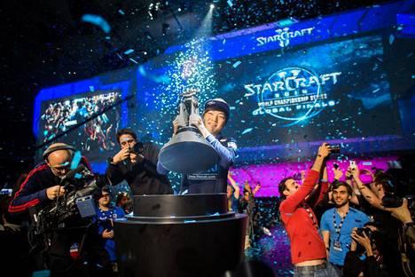 """17-vuotias Lee """"Life"""" Seung Hyun voitti StarCraftin maailmanmestaruuden 2014. Kaksi vuotta myöhemmin hän joutui vankilaan pelimanipulaatiosta."""