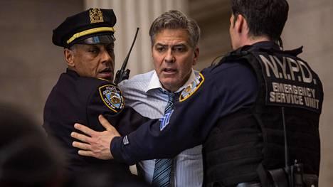 George Clooney näyttelee omahyväistä tv-juontajaa mallikkaasti.